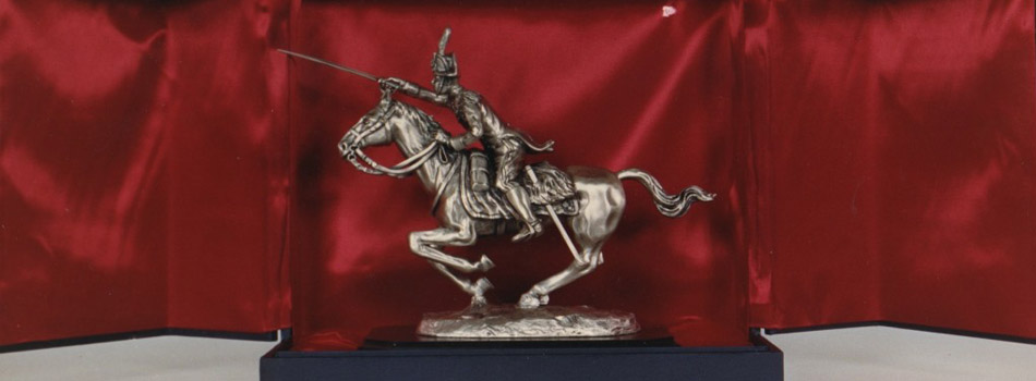 Statua Carabiniere cavallo in carica